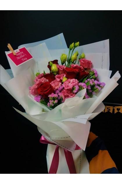 HB08903 Carnation Rose Bouquet