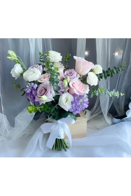 BB046 Mix Rose Bridal Bouquet
