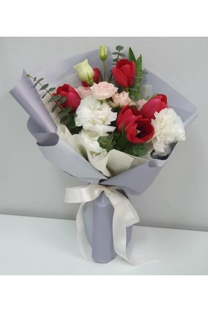 HB240 Tulip Mix Flower Bouquet